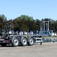 Tipping container chassis